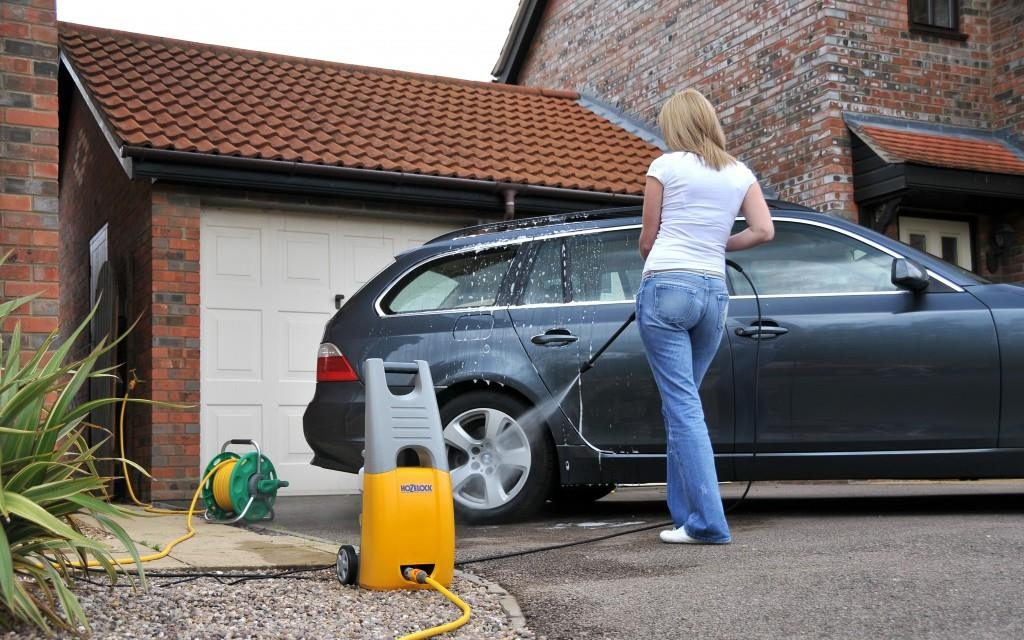 How to Buy a Commercial Pressure Washer